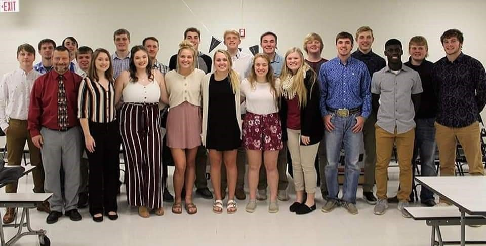National Honor Society Inducts 17 New Members